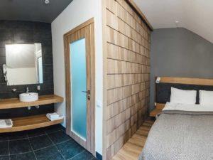 Стандарт з французьким балконом – готель Bukville